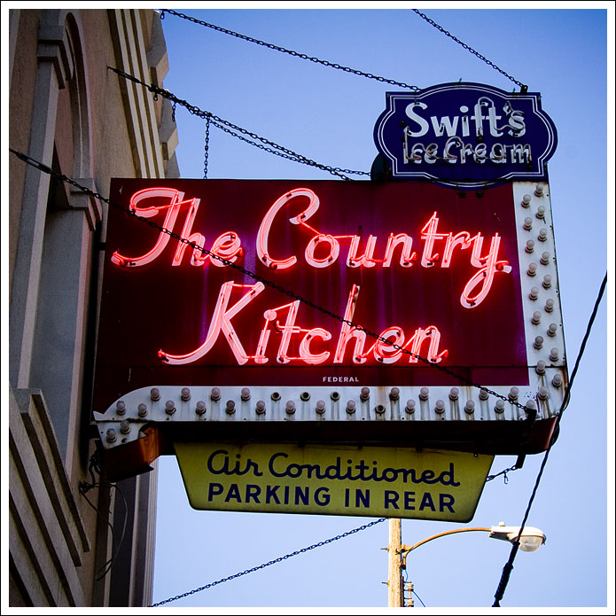 country-kitchen-sign003.jpg