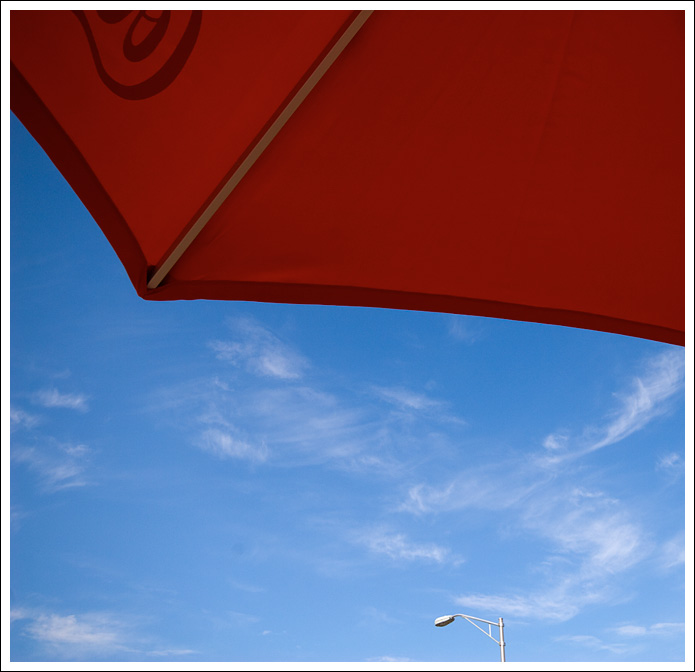 red-umbrella002.jpg
