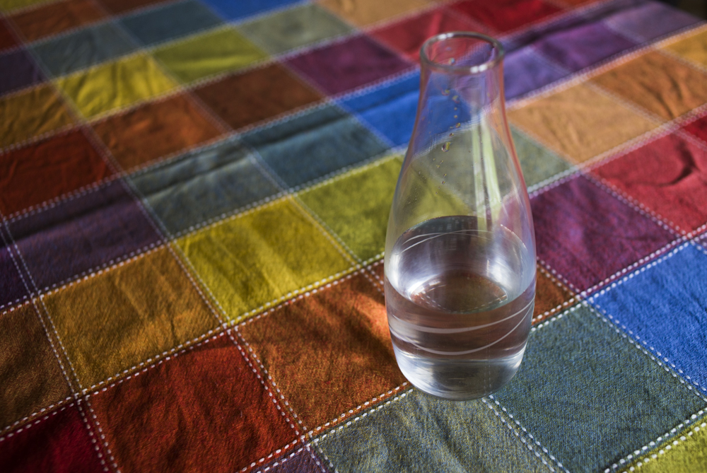 water on tablecloth-008